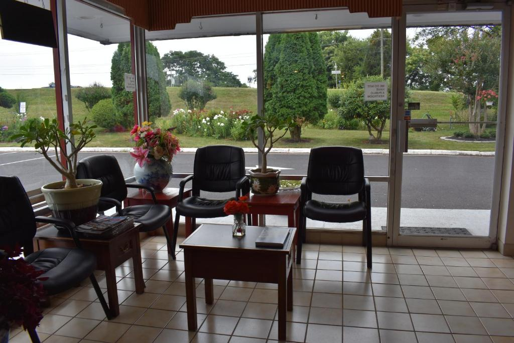 Red Carpet Inn & Suites Culpeper