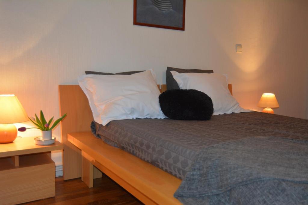 apartment st malo intra muros saint malo france. Black Bedroom Furniture Sets. Home Design Ideas