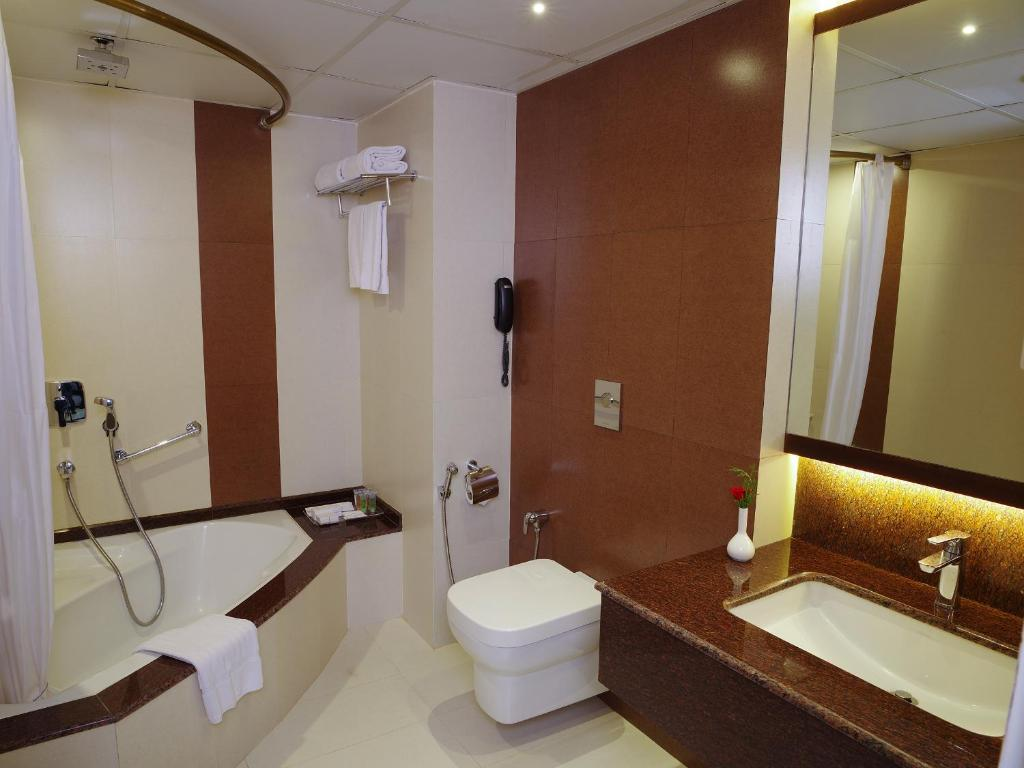 Bathroom Doors Trivandrum hotel residency tower, trivandrum, india - booking