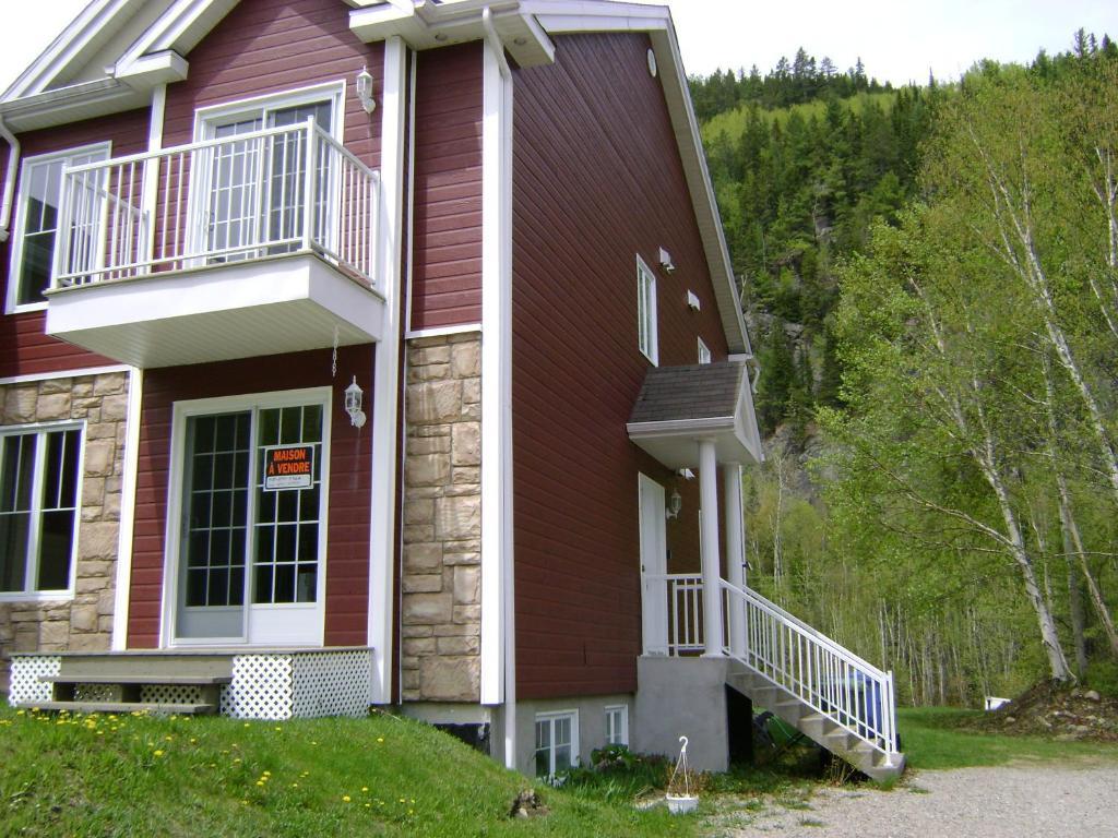 Apartments In L'anse-saint-jean Quebec