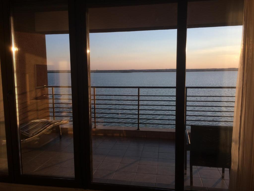 Gallery image of this property & Lake Boutique Mamaia u2013 Updated 2018 Prices