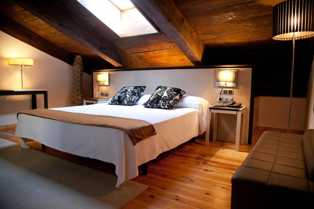 boutique hotels in aragon  56