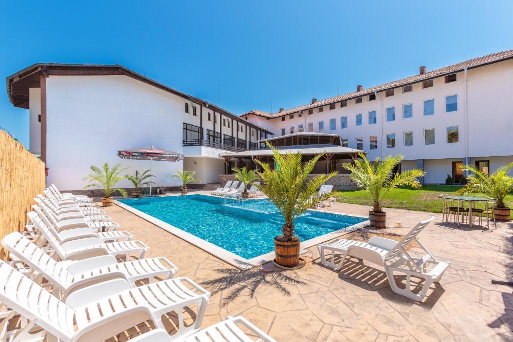 Хотел Hotel Chernomorets - Черноморец
