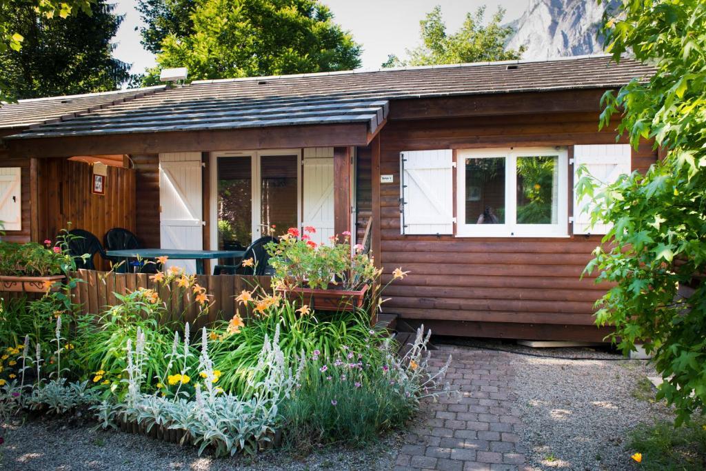 A La Rencontre Du Soleil - Camping, Le Bourg-d?Oisans (France) Deals
