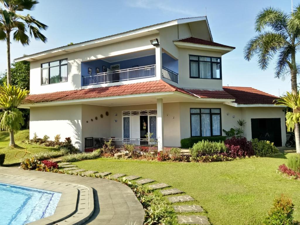 Villa anni 39 mah tapos bogor updated 2018 prices for Kitchen set bogor