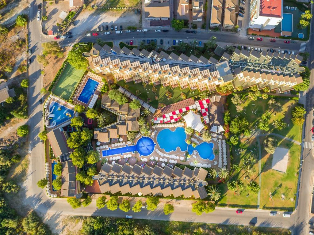 Condo Hotel Zafiro Tropic  Port D U0026 39 Alcudia  Spain