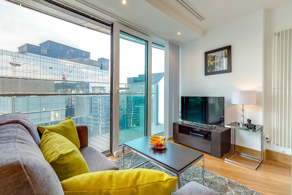 Arena tower apartments london uk booking gallery image of this property malvernweather Choice Image