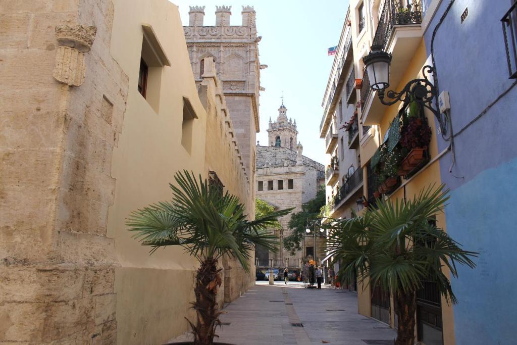 Apartamentos La Lonja, Valencia, Spain - Booking.com