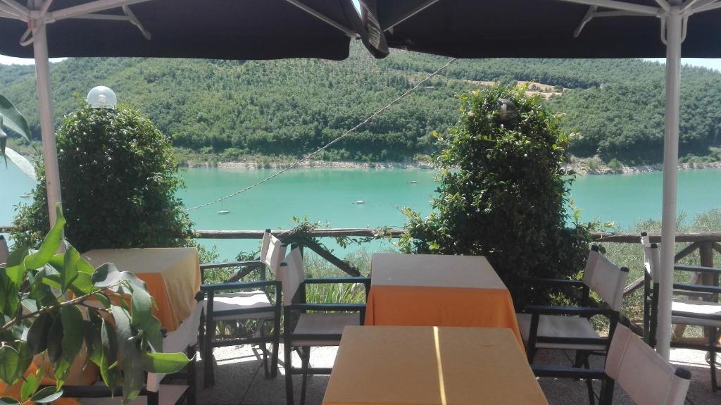 Inn La Terrazza sul lago, Caprese Michelangelo, Italy - Booking.com
