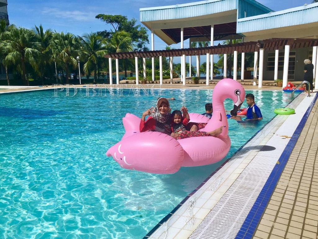 Pd bintang private apartment port dickson malaysia for Private swimming pool malaysia