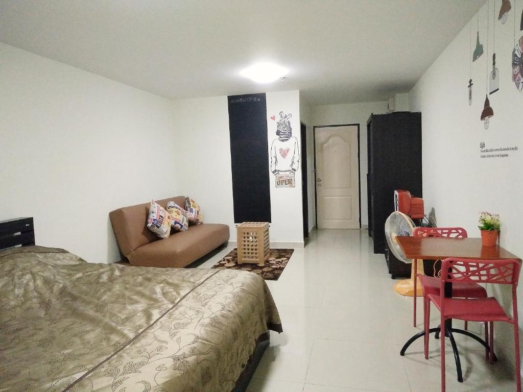 Apartment Bangkok at Regent home 1, Thailand - Booking.com