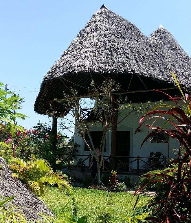 Msambweni Beach House: Coast Sun Gardens Cottage, Msambweni