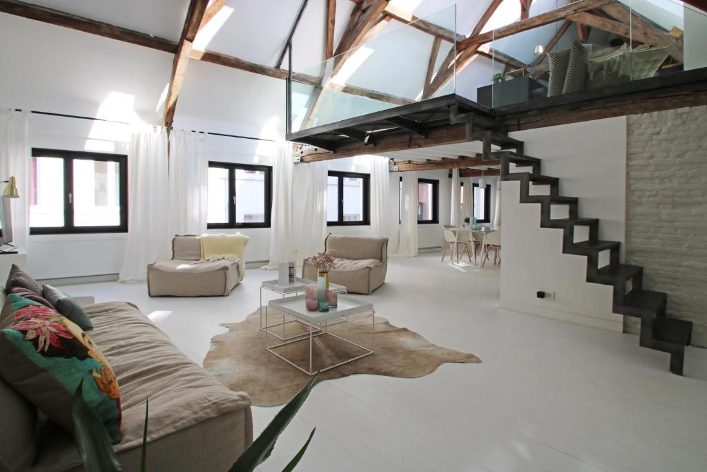 Appartement the loft by cityworkers belgi antwerpen for Loft immagini