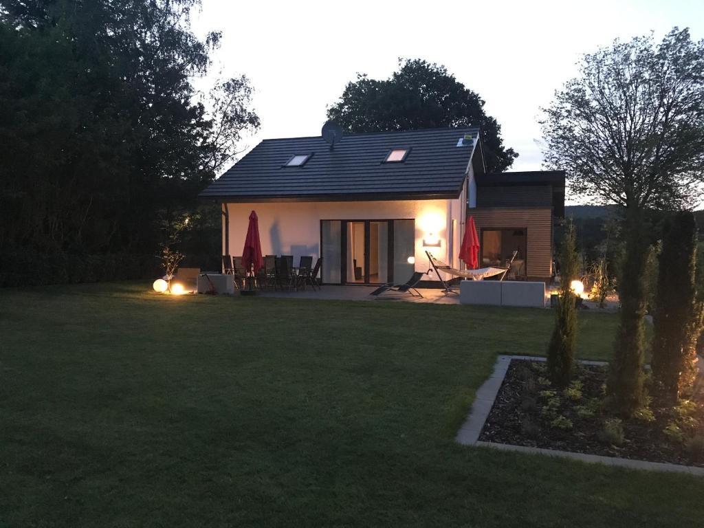 ferienhaus das haus am see deutschland edersee. Black Bedroom Furniture Sets. Home Design Ideas