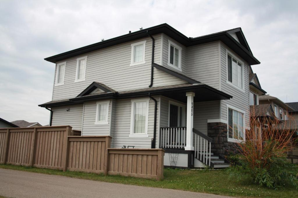 All Inclusive 3 Bedroom Luxurious House For Rent Edmonton