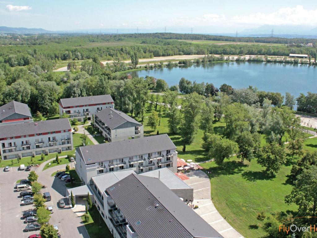 La villa du lac 2 divonne les bains tarifs 2018 for Piscine de divonne