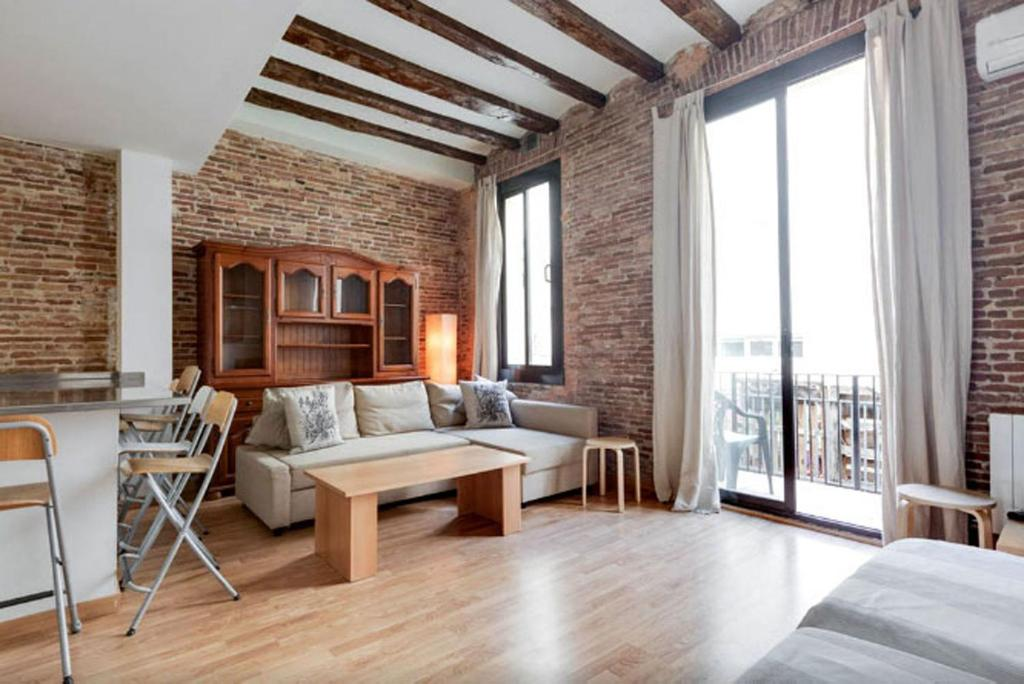 Bcn-Rentals 2 Bedroom Apartment, Barcelona, Spain ...