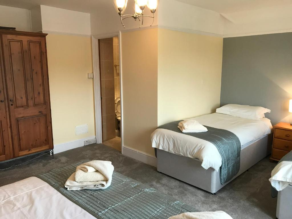 Halfway House Inn Country Lodge Yeovil UK Deals