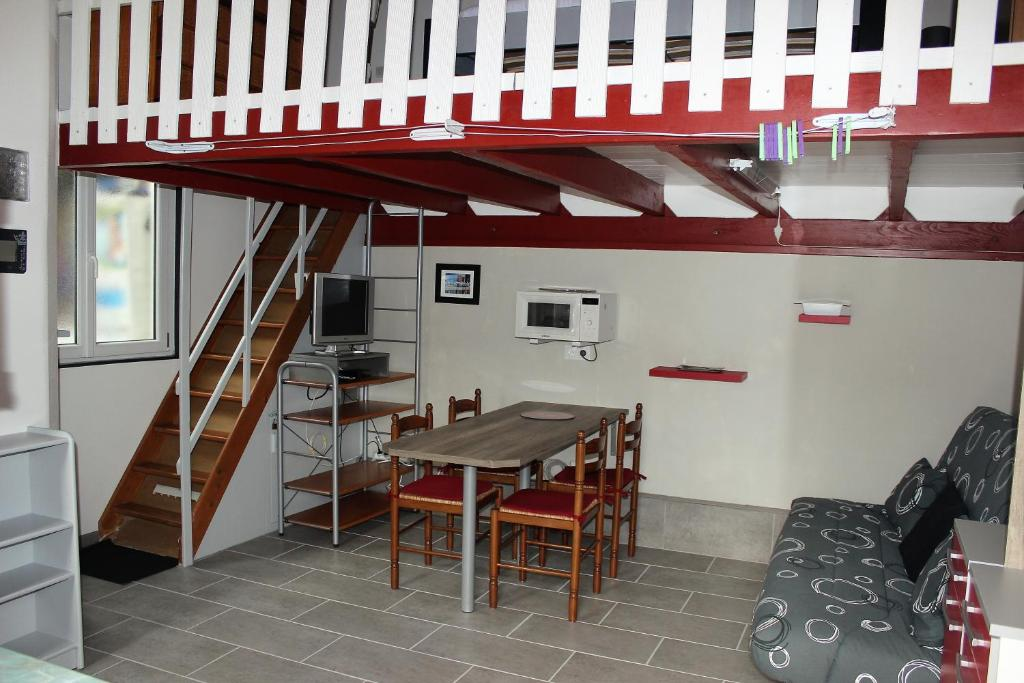 awesome maison du monde puilboreau with maison du monde. Black Bedroom Furniture Sets. Home Design Ideas
