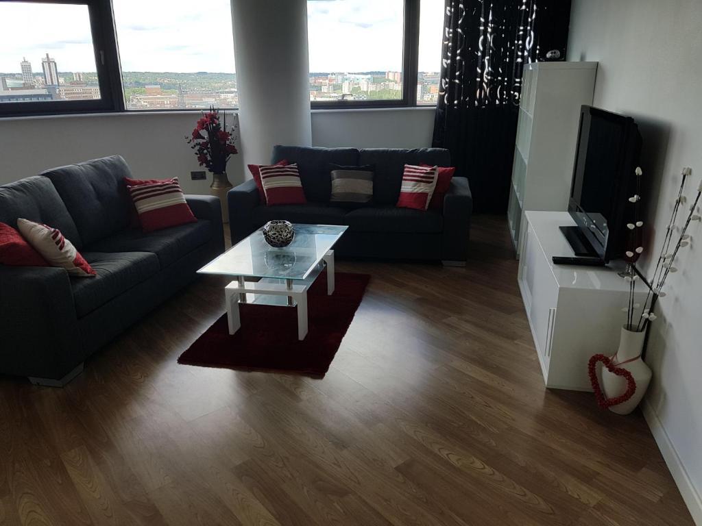 apartment bridgewater place leeds uk booking com