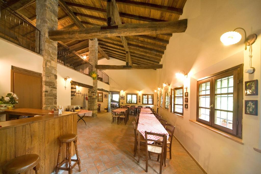 A restaurant or other place to eat at Parco Matildico Di Montalto