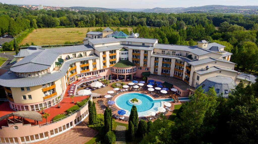 A bird's-eye view of Lotus Therme Hotel & Spa