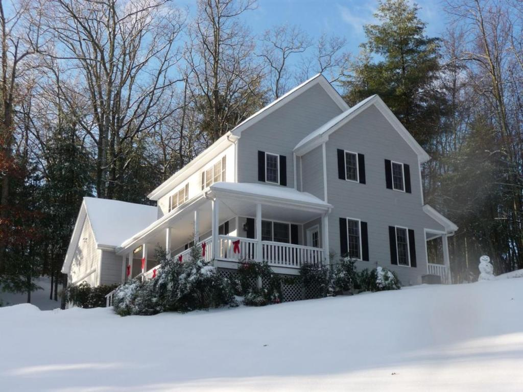 Vacation Home Forest Hill Home, Hendersonville, NC - Booking.com