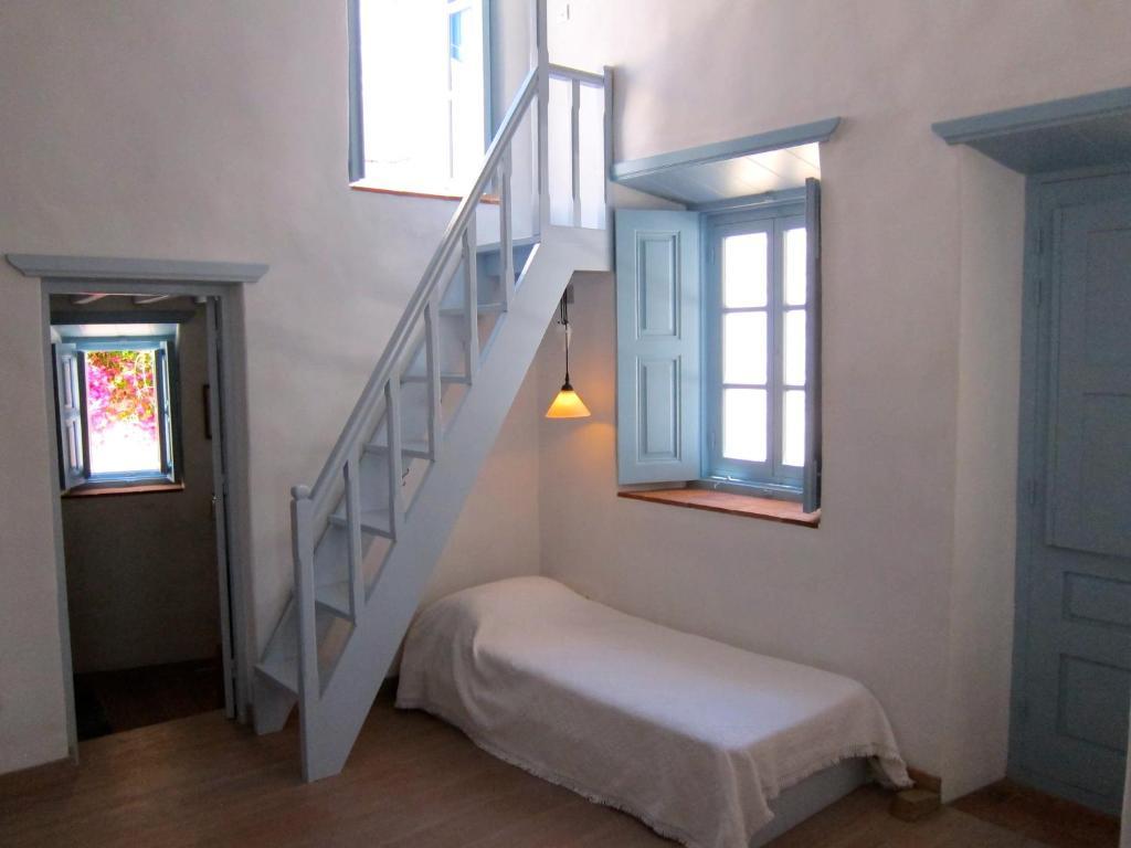 107566170 - Villa Chora