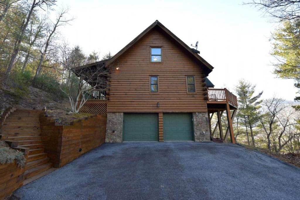 pinterest ideas cabins rentals bedroom asheville cabin on best pet nc near lake amazing within friendly in