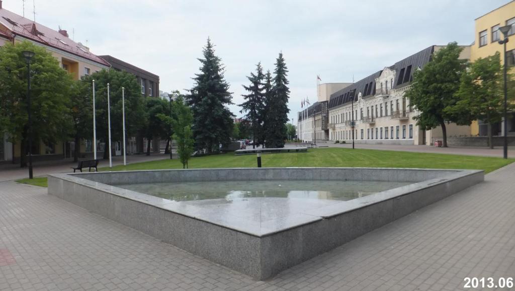 Baseinas apgyvendinimo įstaigoje Laisves Luxury Apartaments arba netoliese