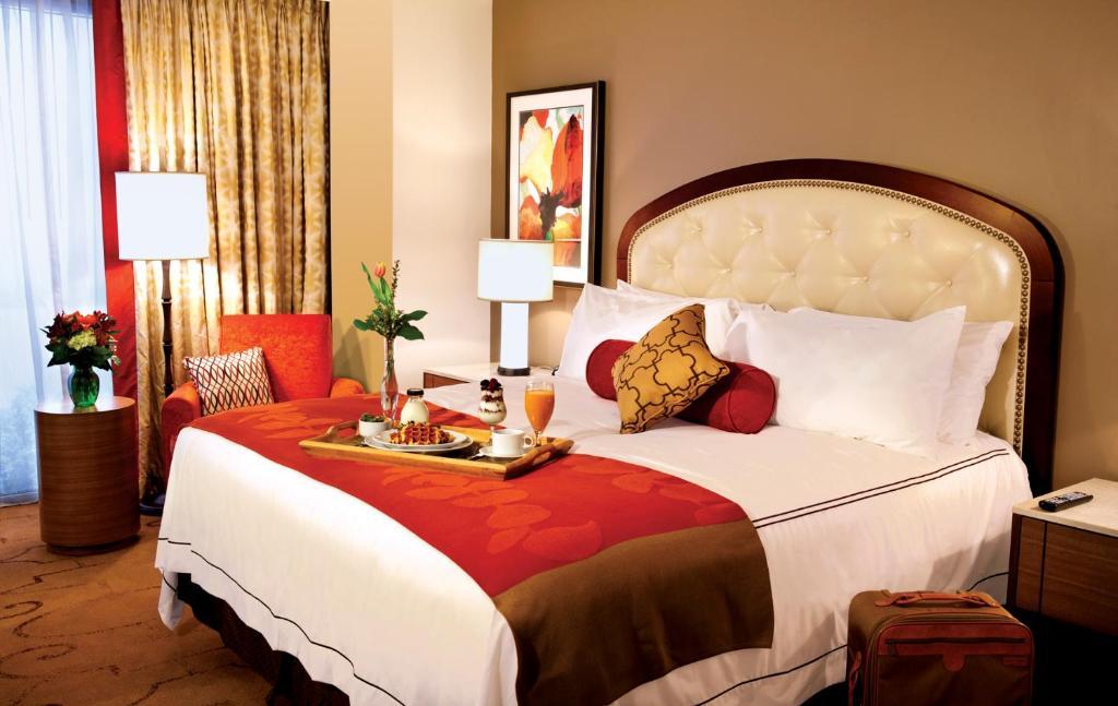 Lauberge Baton Rouge La Booking