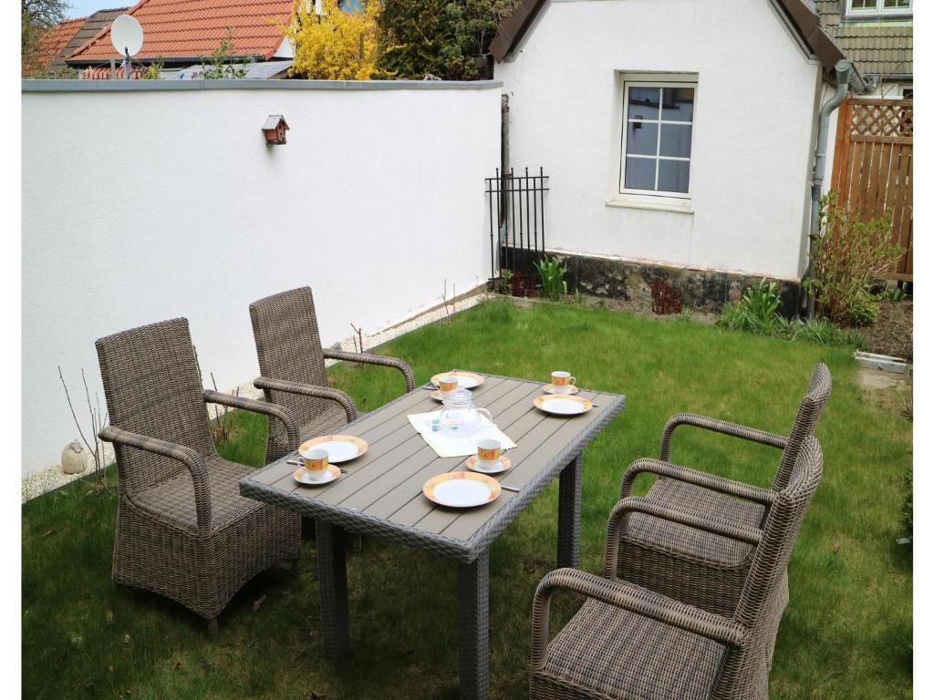 Studio apartment in warnemunde deutschland warnem nde for Hotels in warnemunde mit meerblick