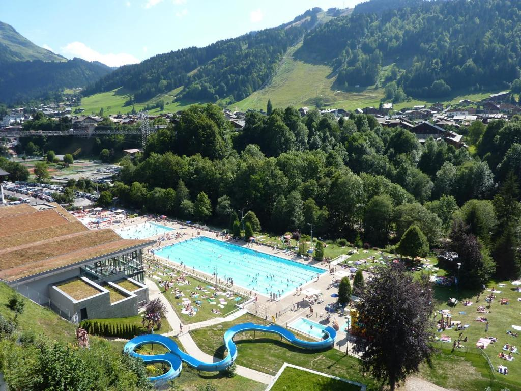 R 233 Sidence L Arc En Ciel Morzine France Booking Com