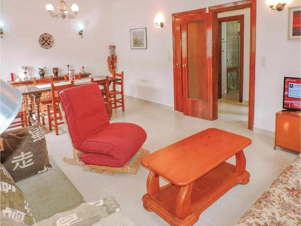 Four Bedroom Holiday Home In Miami Playa Miami Platja Spain  # Muebles Miami Platja