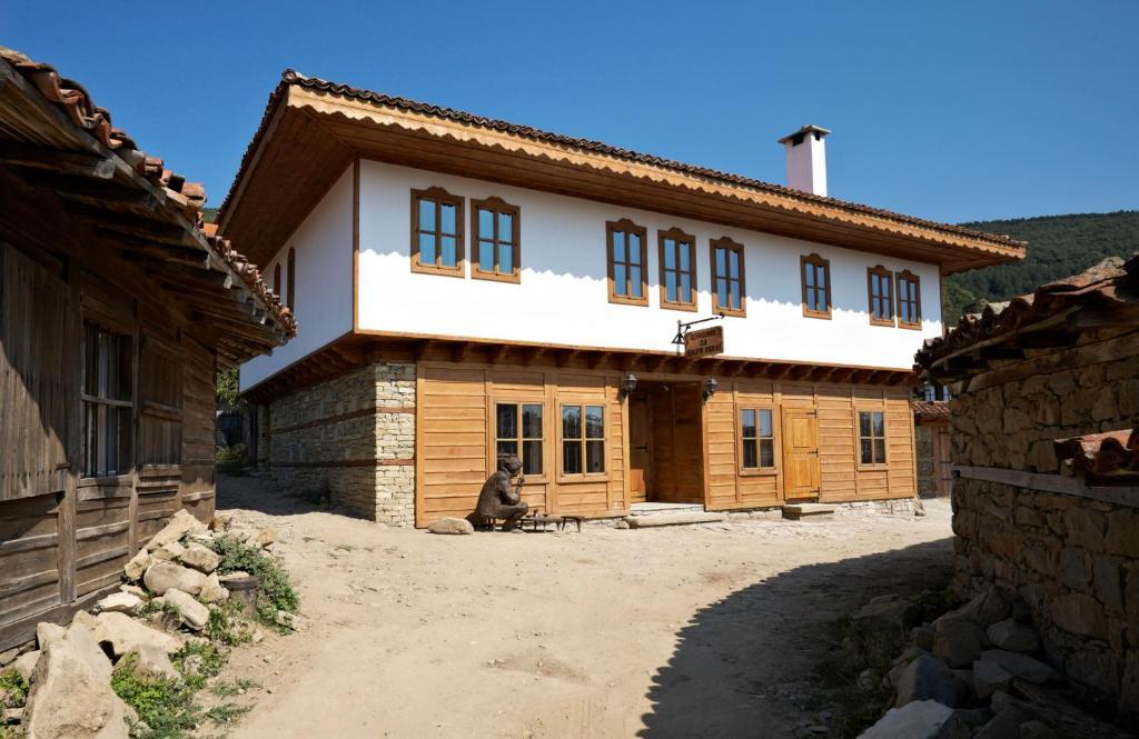 Къща за гости Гости Кафенето на Димчо Кехая - Жеравна