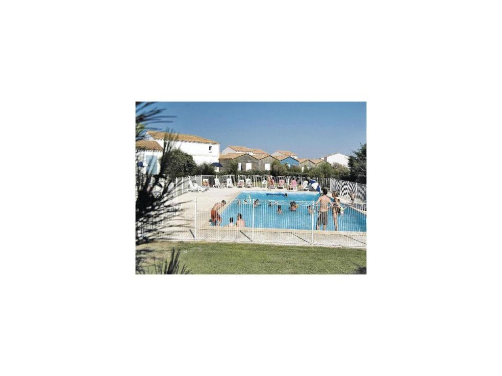 Apartment le chateau d 39 ol ron 31 with outdoor swimmingpool le ch teau d - Hotel le chateau d oleron ...