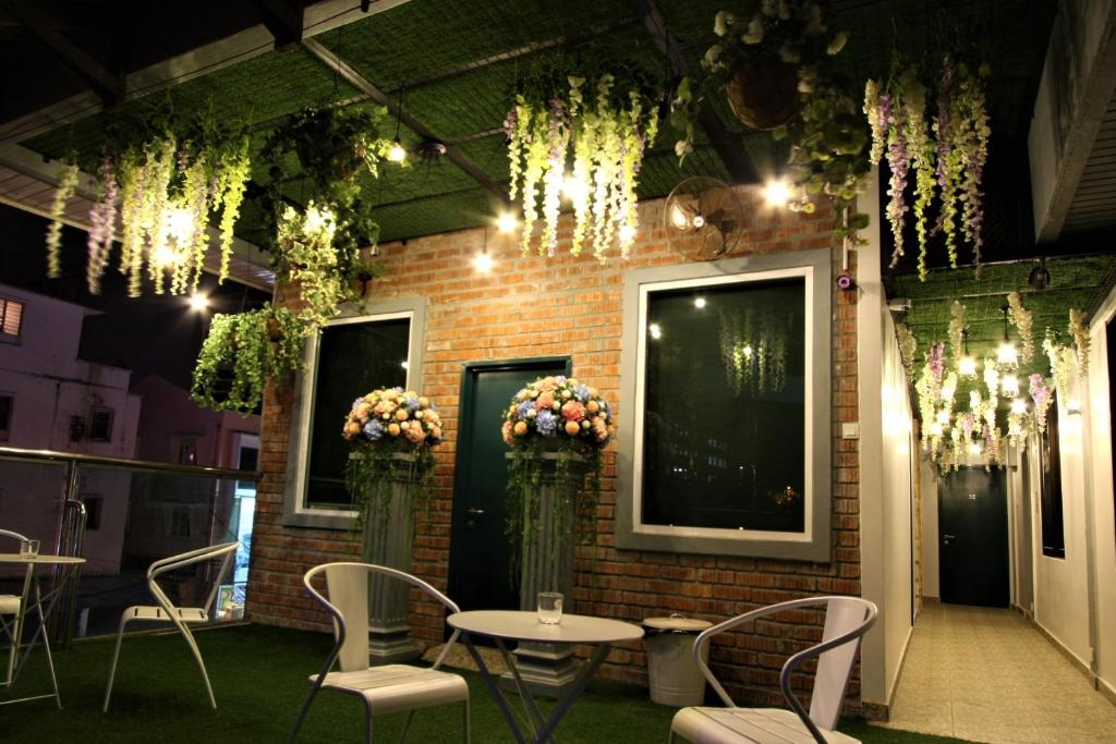 Guesthouse shamrock garden ipoh malaysia for Shamrock garden apartments charlotte nc