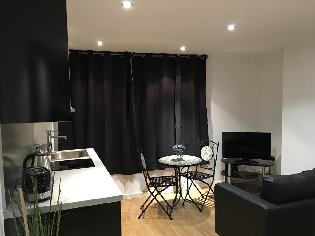 next apartments leeds uk booking com