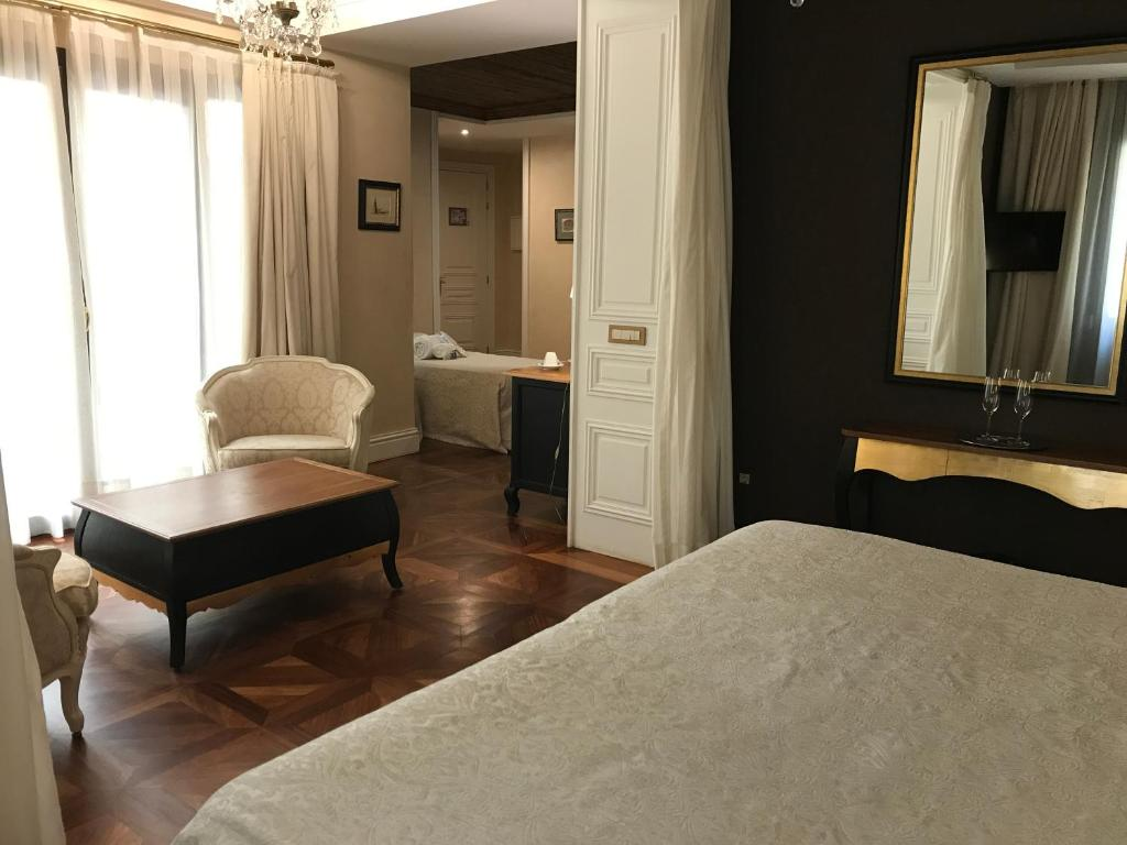 boutique hotels in sevilla  264