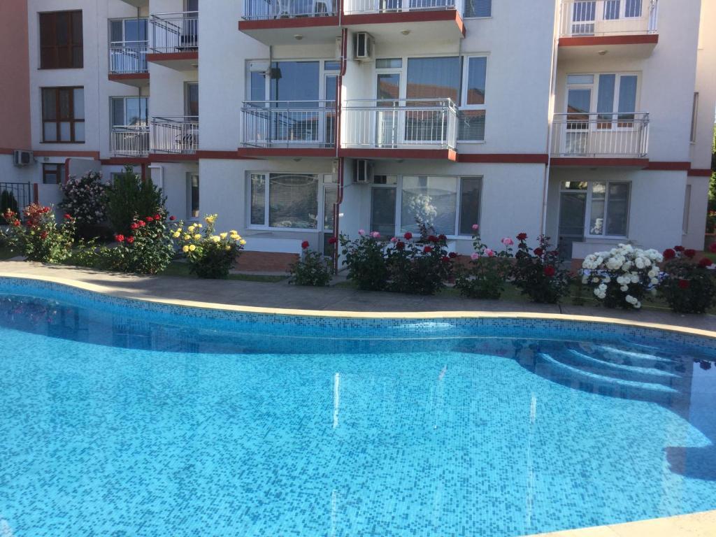 Апартамент Lotos complex Elena's Апартаментs - Кранево