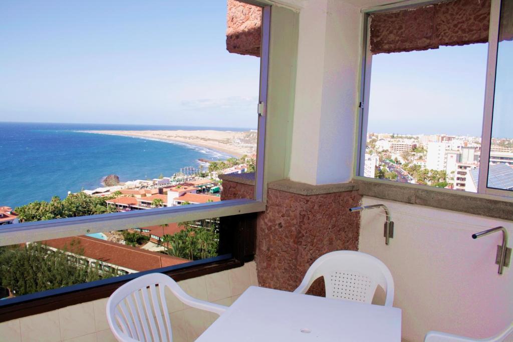 Apartamento Corona Roja Espa 241 A Playa Del Ingl 233 S