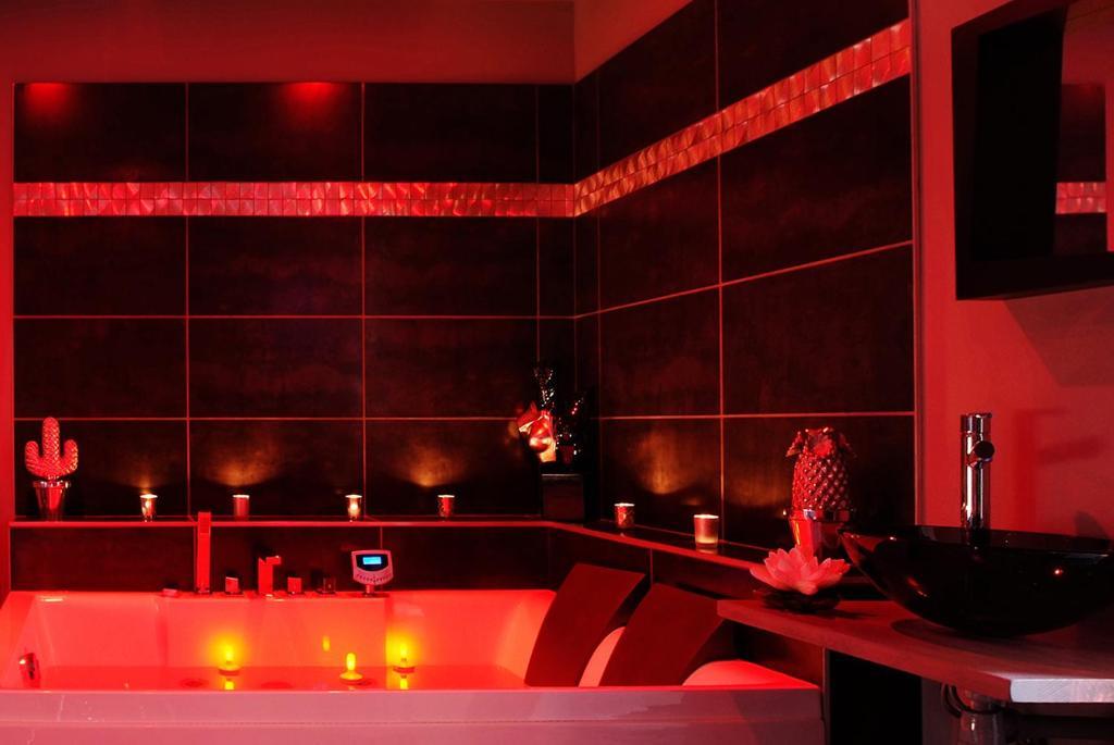Apartment rouville spa lyon france - Salon primevere lyon ...