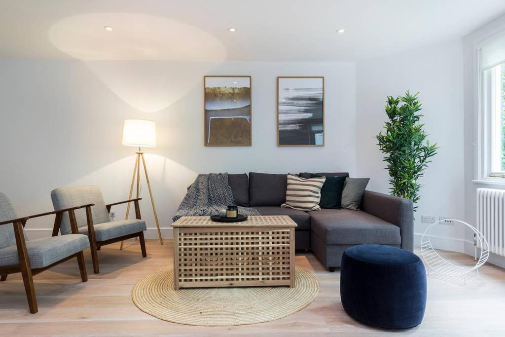 Apartment 3 Bed House In Chelsea London Uk Bookingcom - Excellent-3-bedroom-london-apartment-in-chelsea-area