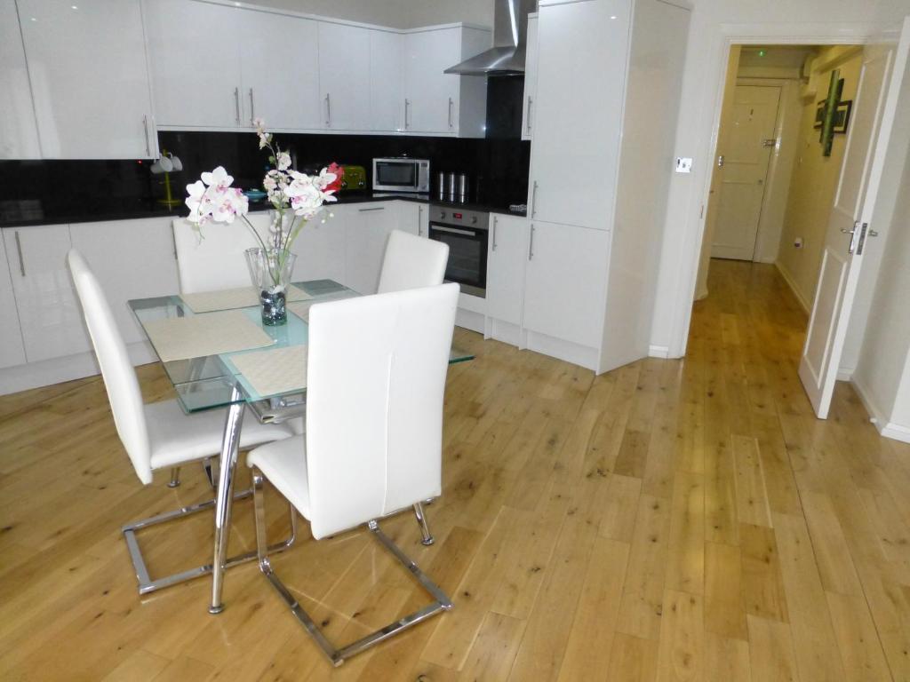 Chelsea Bridge Apartments, London - Updated 2018 Prices
