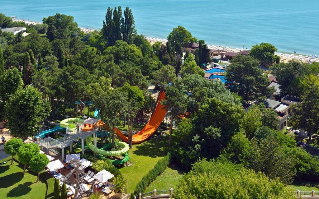 Роскошный отель 5* для семейного отдыха в Болгарии!