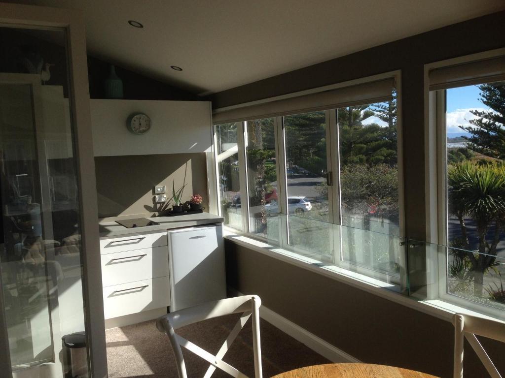 Abbott House Sumner Bed Breakfast Cave Rock Guest House Sumner New Zealand Bookingcom