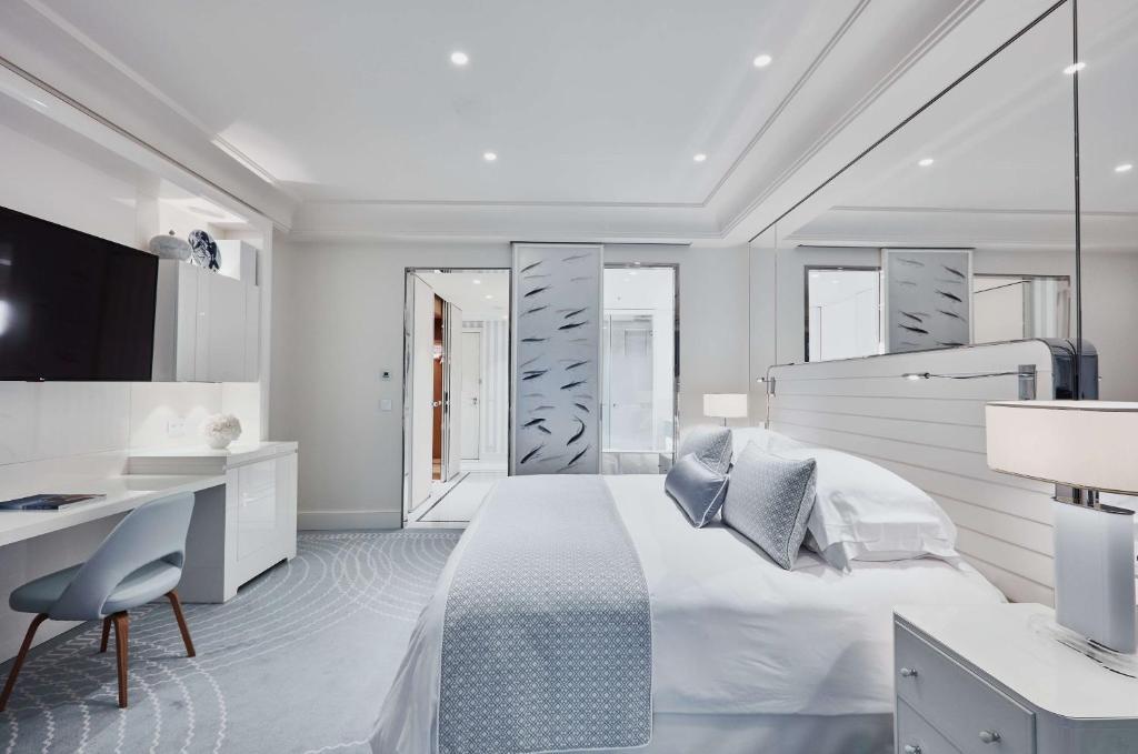 Hotel Martinez Cannes France  BookingCom