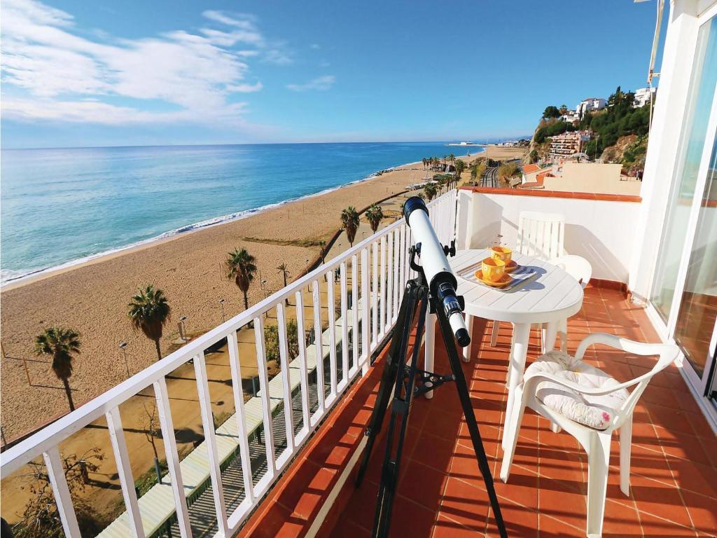 Apartment canet de mar with sea view ii spain for Piscina canet de mar