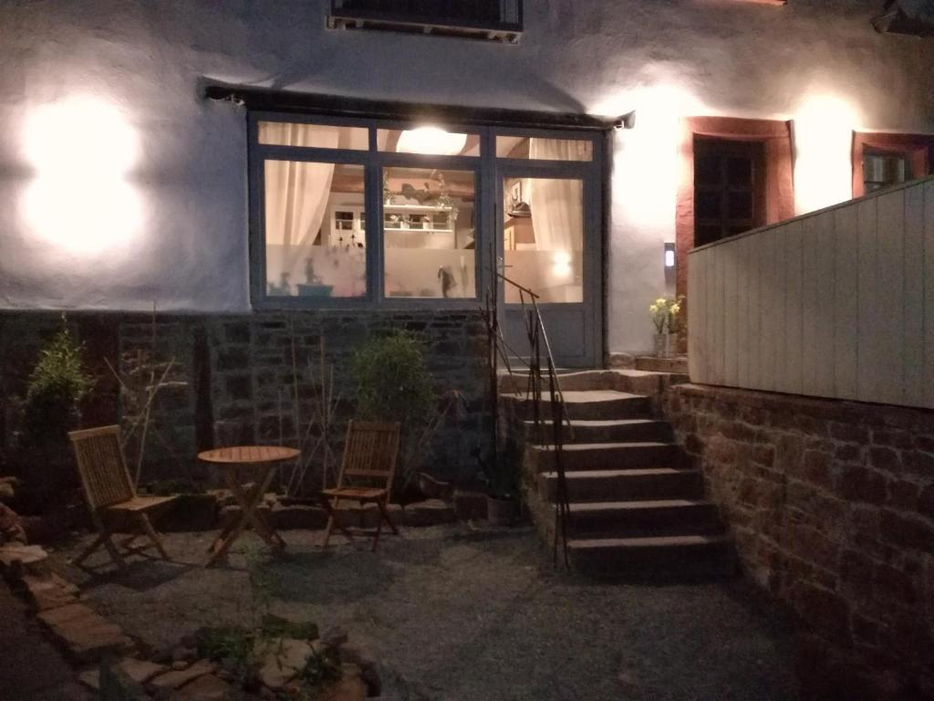 ferienwohnung wombacher 39 s deutschland holzkirchen. Black Bedroom Furniture Sets. Home Design Ideas