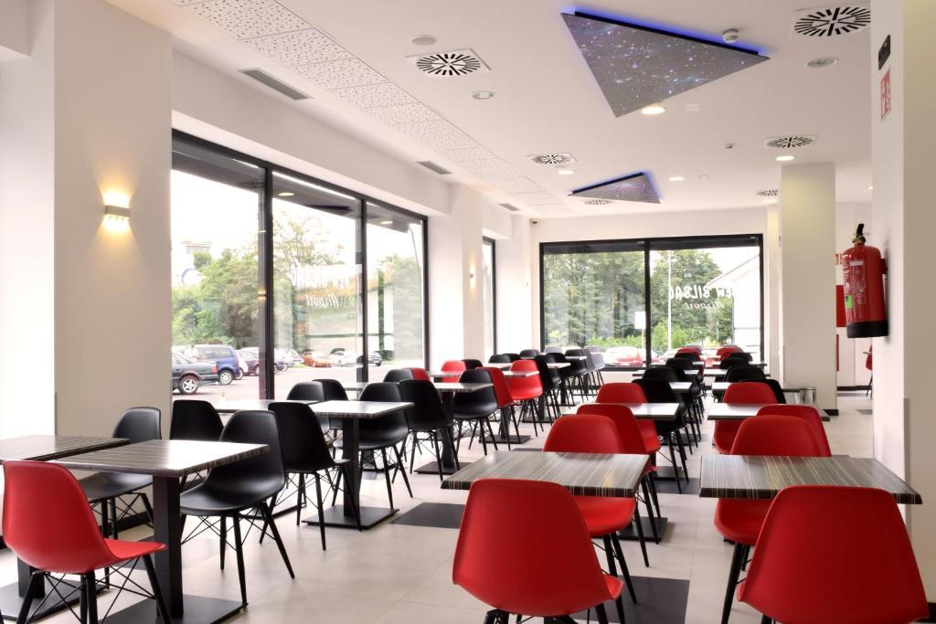 Rooms: Hotel New Bilbao Airport, Derio, Spain